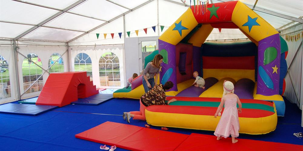 Bouncy Toms - Bouncy Castle Hire